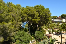 Apartment in quiet area next to the beach of Cala Vinyes