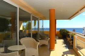 Sold! Bright apartment with sea views